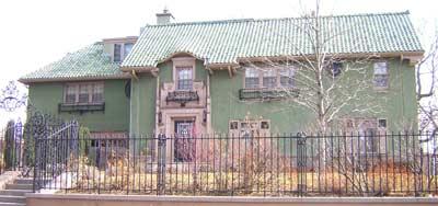 910 Gaylord Street